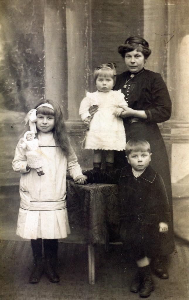 Maria De Telder, Simone Waegenaer, Elisabeth Waegenaer, Louis Waegenaer